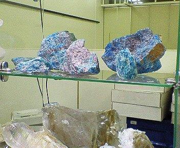 mineral-color.jpg